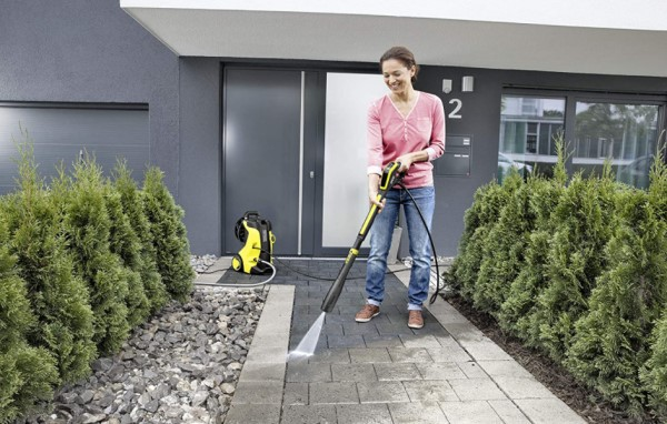 Nettoyer sa terrasse avec nettoyeur haute pression